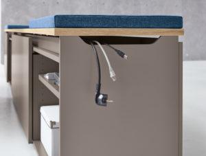 Kabelverlegung Detailansicht Schreibtisch