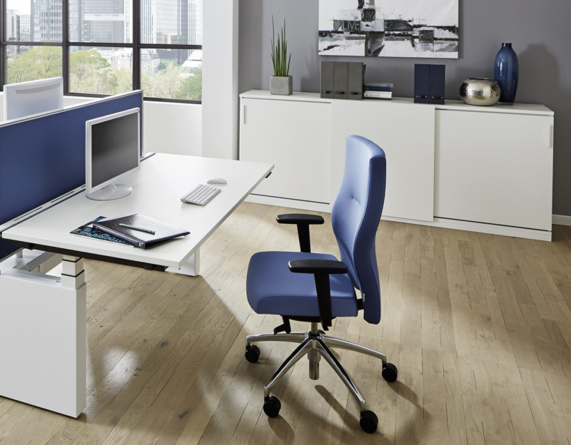 Bürodrehstuhl Startup2 blau Milieuansicht