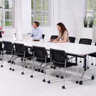 Konferenz und Meeting Konferenztisch