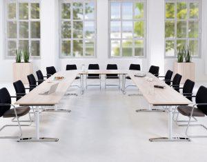 Konferenz und Meeting Konferenztisch Milieubild